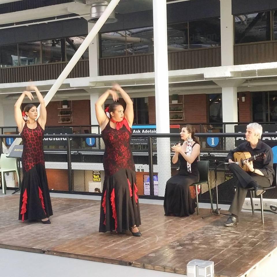 Flamenco Show Dancers and guitarist